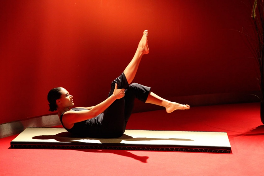 yoga pilates 50 plus bauch und r ckenmuskulatur st rken tele gym 37. Black Bedroom Furniture Sets. Home Design Ideas